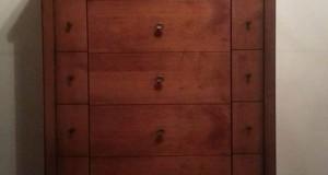 Αυτή η συρταριέρα κρύβει μια έκπληξη