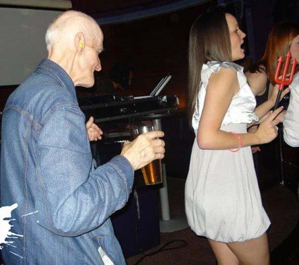 Θεότρελες εικόνες που μπορεί να συναντήσεις μέσα σε ένα club (5)