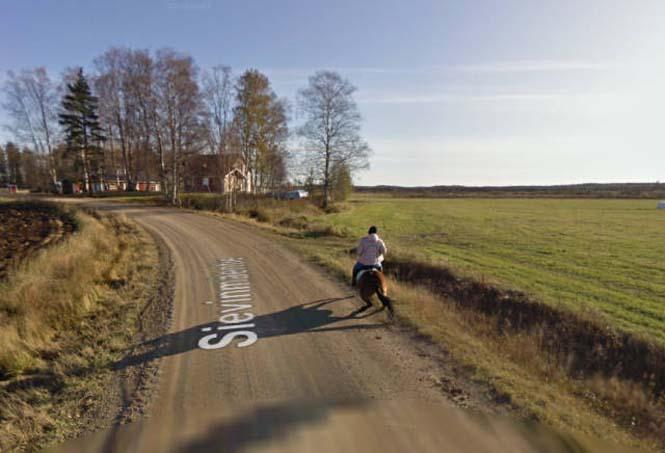 Δείτε τι συνέβη όταν ένα άλογο συνάντησε το αυτοκίνητο του Google Street View (3)