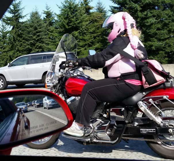 Τρελά και απίστευτα σκηνικά με μοτοσυκλέτες (7)