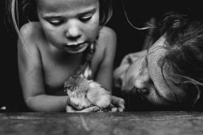 Μητέρα φωτογραφίζει την χωρίς τεχνολογία καθημερινότητα των παιδιών της (12)