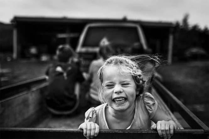 Μητέρα φωτογραφίζει την χωρίς τεχνολογία καθημερινότητα των παιδιών της (19)