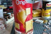 Δεν θα πιστεύετε τι έφτιαξε με μια κυλινδρική συσκευασία από πατατάκια (1)