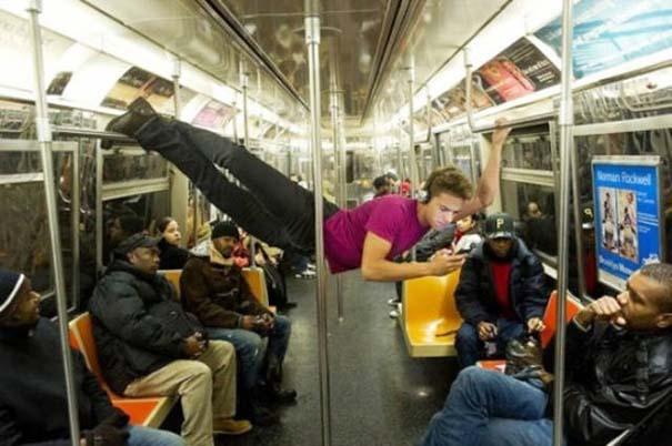 Παράξενες και κωμικοτραγικές φωτογραφίες στα μέσα μεταφοράς #13 (1)