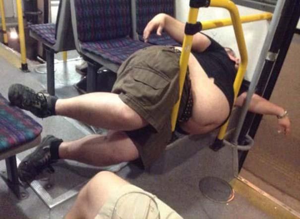 Παράξενες και κωμικοτραγικές φωτογραφίες στα μέσα μεταφοράς #13 (5)