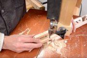 «Μάγος» της ξυλουργικής μετατρέπει ένα κομμάτι ξύλου σε αλυσίδα