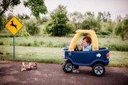 Μπόμπιρας και το αυτοκινητάκι του σε καταστάσεις για μεγάλους (1)