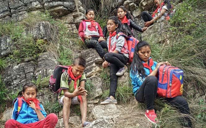 Τα παιδιά αυτού του απομακρυσμένου χωριού στην Κίνα πάνε σχολείο (5)