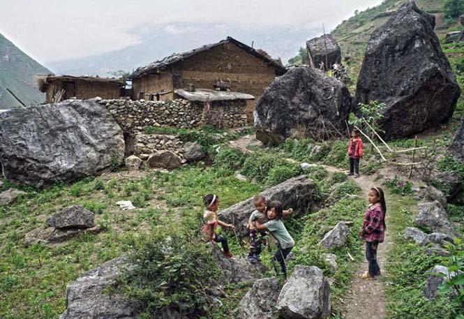 Τα παιδιά αυτού του απομακρυσμένου χωριού στην Κίνα πάνε σχολείο (8)
