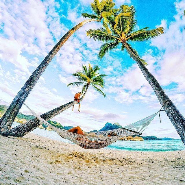 Σκηνικό απόλυτης χαλάρωσης στα Bora Bora   Φωτογραφία της ημέρας