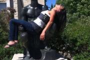 Ποζάροντας με αγάλματα #20 (4)