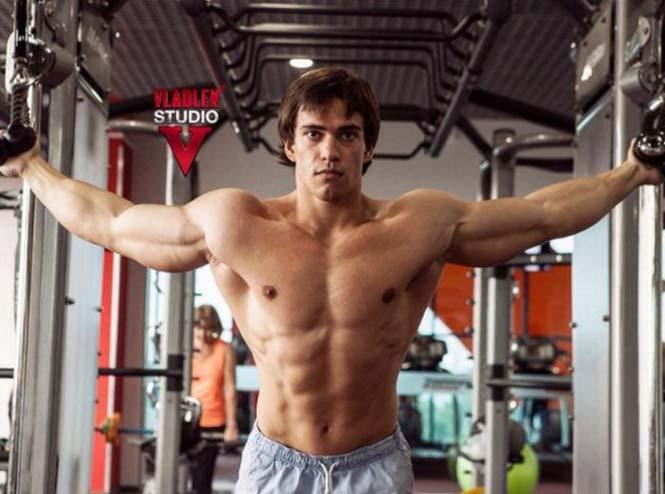 Ο Ρώσος bodybuilder που έχει εντυπωσιακή ομοιότητα με τον Arnold Schwarzenegger (5)