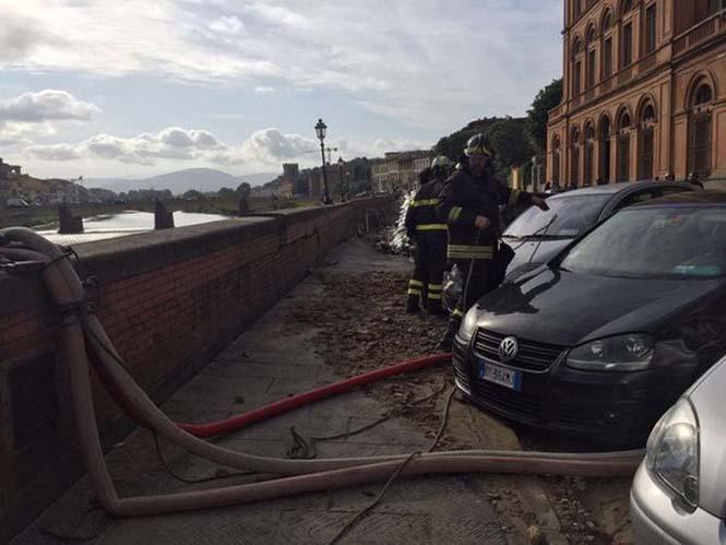 Χώρος στάθμευσης κατέρρευσε στις όχθες του ποταμού Άρνου στη Φλωρεντία (6)