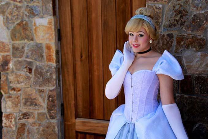 21χρονος μεταμορφώνεται σε πριγκίπισσες της Disney (12)