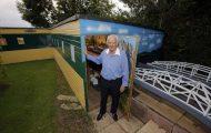 Το χόμπι αυτού του Βρετανού συνταξιούχου αξίζει μια περιουσία (1)