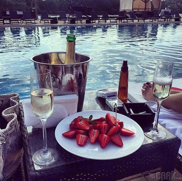 Τα πλουσιόπαιδα του Instagram γιορτάζουν το καλοκαίρι τους (3)