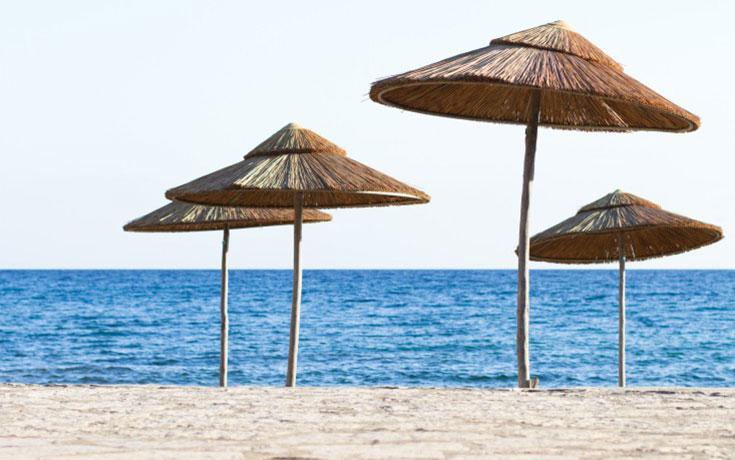 Πόσο κοστίζει το μπάνιο σε 10 οργανωμένες παραλίες της Αττικής (1)