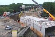 Δείτε πως κατασκεύασαν ένα τούνελ κάτω από αυτοκινητόδρομο μέσα σε ένα Σαββατοκύριακο