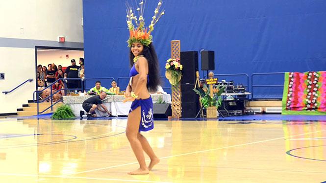 Αυτή η χορεύτρια από την Ταϊτή θα σας καθηλώσει
