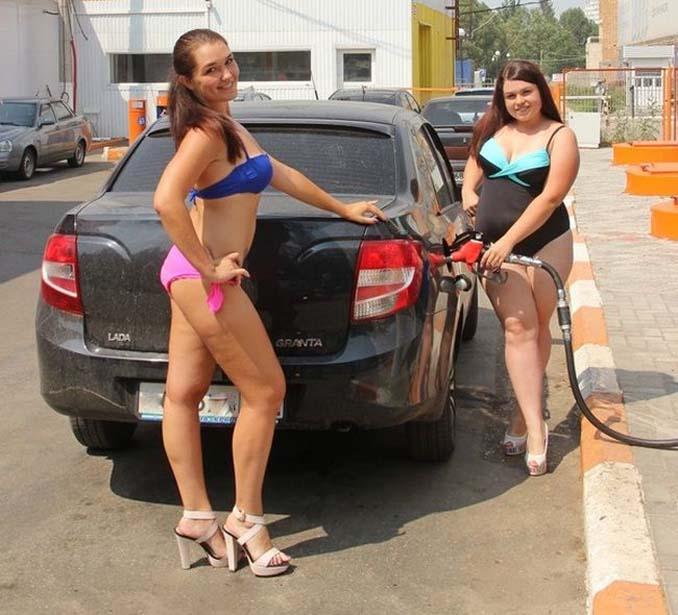Βενζινάδικο στη Ρωσία προσφέρει δωρεάν βενζίνη σε γυναίκες που φορούν μπικίνι (2)