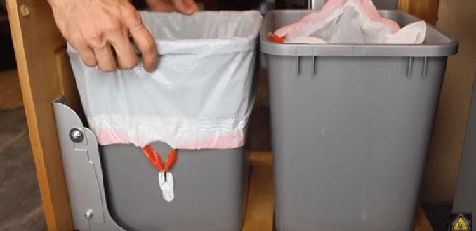 Έξυπνο κόλπο για την σακούλα σκουπιδιών (1)