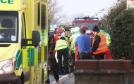 Οδηγός επέζησε από θαύμα όταν το αυτοκίνητο της συνεθλίβη ανάμεσα σε 2 νταλίκες (1)