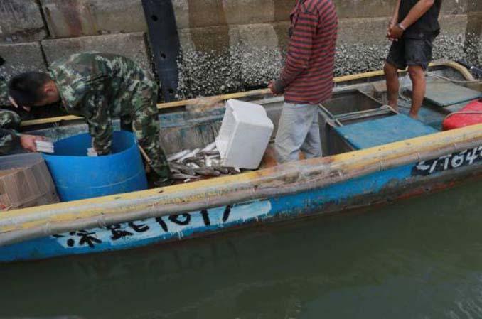 Οι Κινεζικές αρχές συνέλαβαν ψαράδες που είχαν μια ψαριά - έκπληξη (1)
