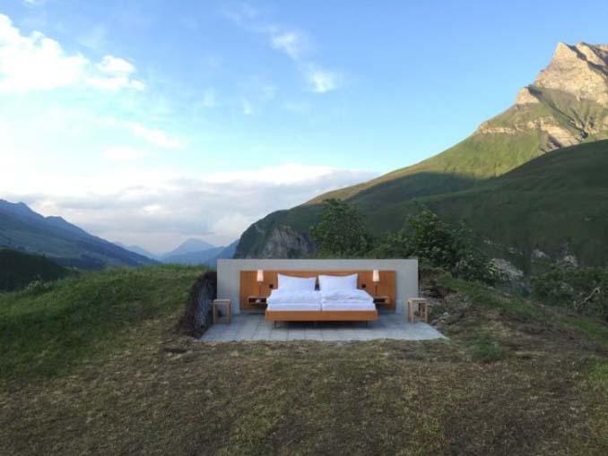 Ξενοδοχείο στην Ελβετία προσφέρει υπέροχη θέα... και τίποτα άλλο (2)
