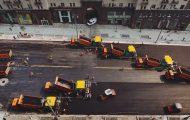 Μηχανήματα στρώνουν δρόμο στην Ρωσία
