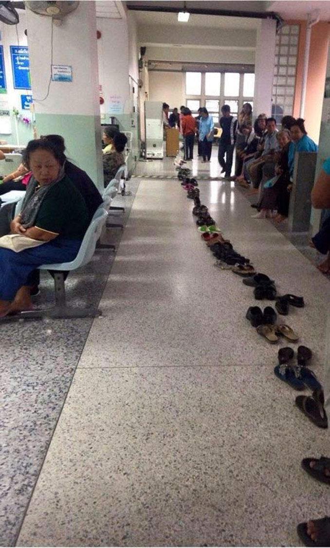 Ουρές σε δημόσιες υπηρεσίες στην Ταϊλάνδη (2)