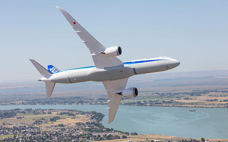 «Παίζοντας» με ένα Boeing 787 Dreamliner