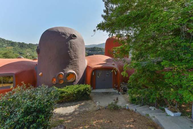 Σπίτι των Φλιντστόουνς που κανείς δεν θέλει να αγοράσει (2)