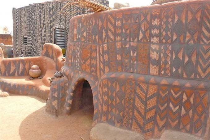 Tiebele: Το αφρικανικό χωριό με την μοναδική διακόσμηση στους τοίχους των σπιτιών (12)