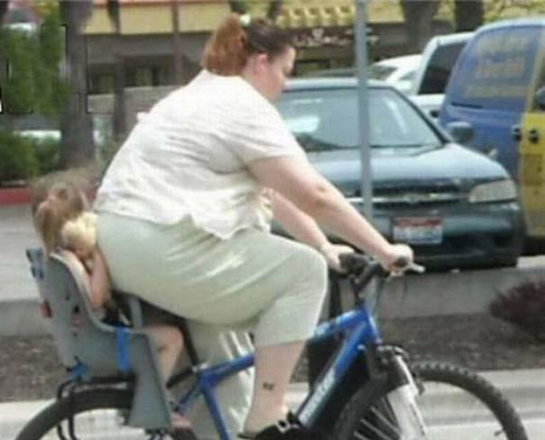 Τρελά κι αστεία σκηνικά με ποδήλατο (13)