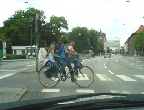 Τρελά κι αστεία σκηνικά με ποδήλατο (17)