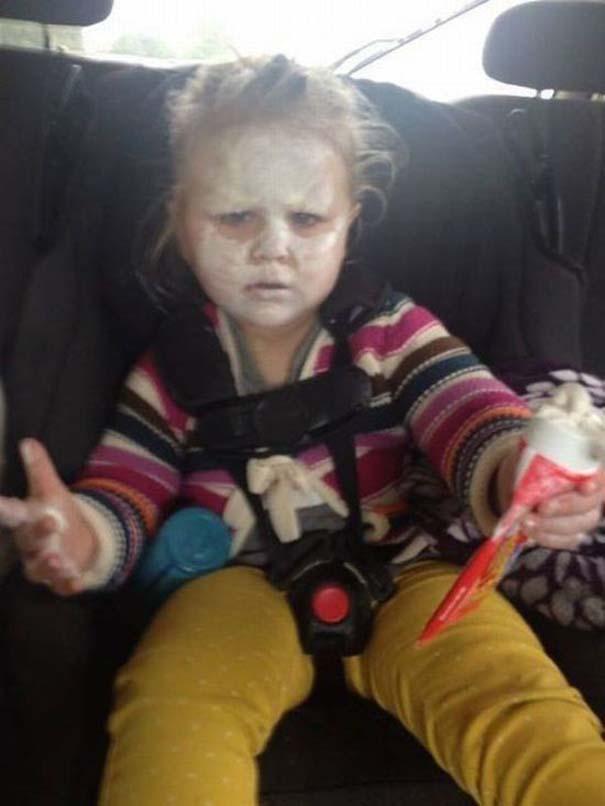 17 τρελές φωτογραφίες μικρών παιδιών που κάνουν τα δικά τους (7)