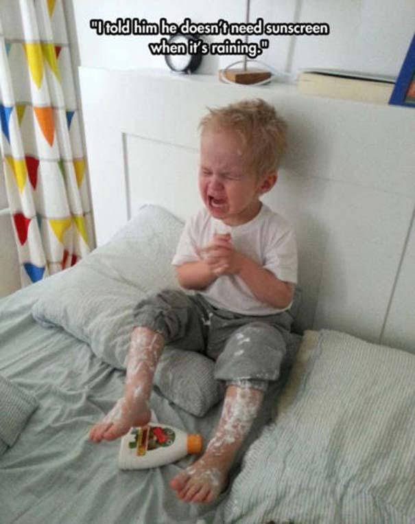 17 τρελές φωτογραφίες μικρών παιδιών που κάνουν τα δικά τους (17)
