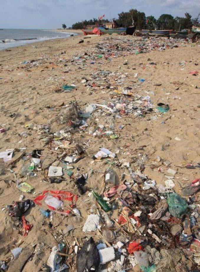 Εν τω μεταξύ, σε μια «ονειρεμένη» παραλία της Κίνας... (10)