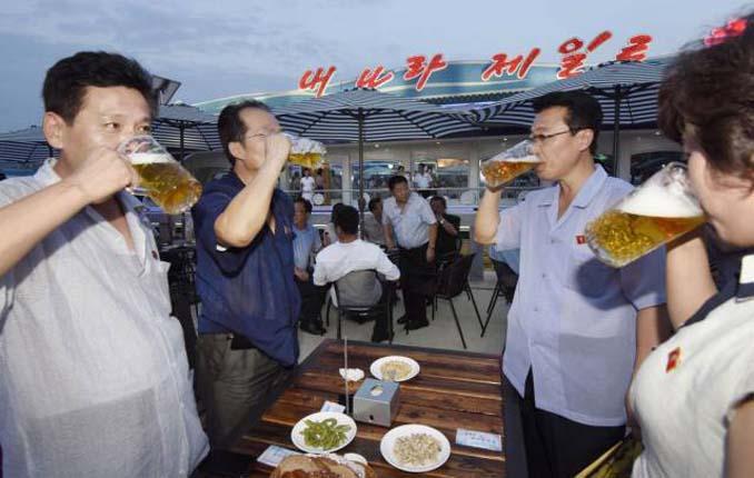 Φεστιβάλ μπύρας στη Βόρεια Κορέα (2)