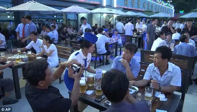 Φεστιβάλ μπύρας στη Βόρεια Κορέα (4)