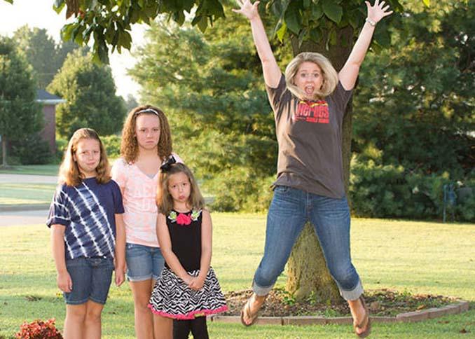 Ξεκαρδιστικές αντιδράσεις γονιών για την πρώτη μέρα των παιδιών τους στο σχολείο (4)