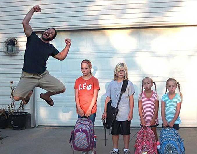 Ξεκαρδιστικές αντιδράσεις γονιών για την πρώτη μέρα των παιδιών τους στο σχολείο (8)