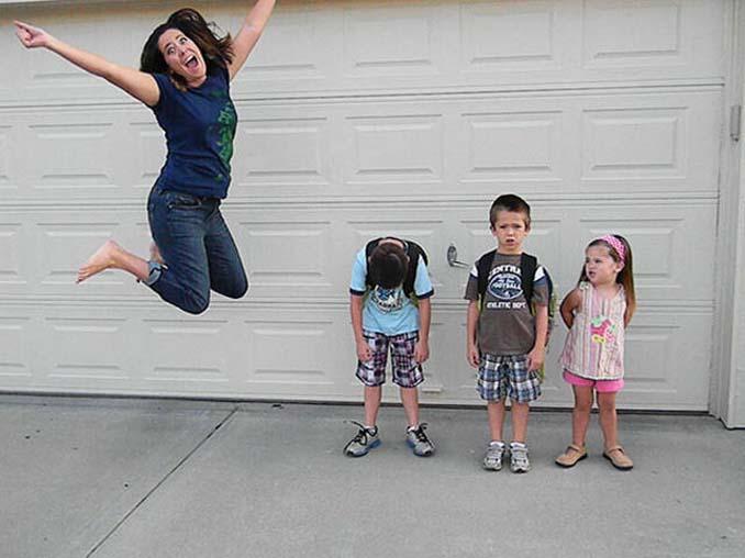 Ξεκαρδιστικές αντιδράσεις γονιών για την πρώτη μέρα των παιδιών τους στο σχολείο (12)