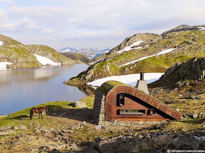 Μοντέρνα καλύβα στη Νορβηγία που γίνεται ένα με το περιβάλλον (3)