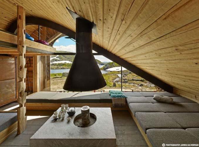 Μοντέρνα καλύβα στη Νορβηγία που γίνεται ένα με το περιβάλλον (5)