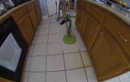 Πανίσχυρο καθαριστικό μηχάνημα κάνει το πάτωμα σαν καινούργιο
