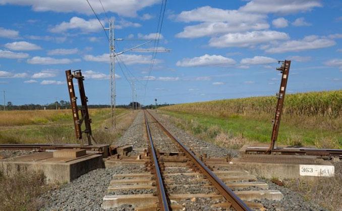 Παράξενη σιδηροδρομική διασταύρωση στην Αυστραλία (2)
