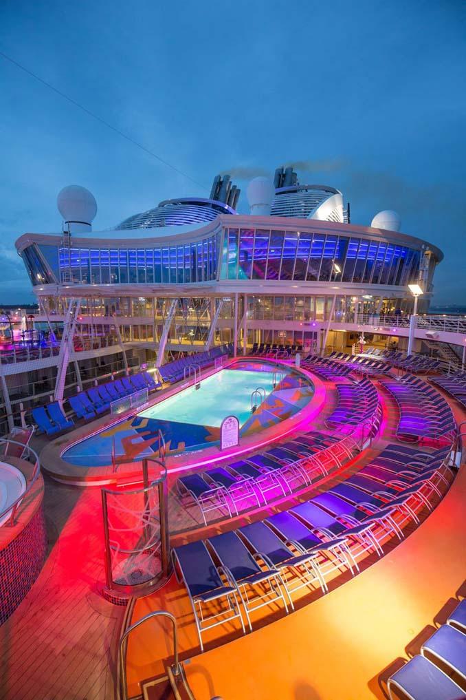 Περιήγηση στο μεγαλύτερο κρουαζιερόπλοιο του κόσμου (19)