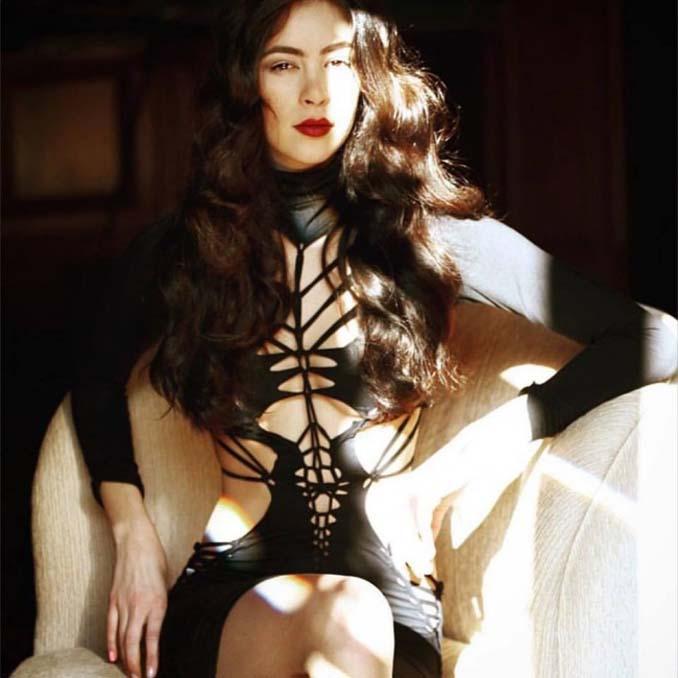 Σχεδιαστής μόδας δημιουργεί εκπληκτικά ρούχα χρησιμοποιώντας ένα ψαλίδι (10)