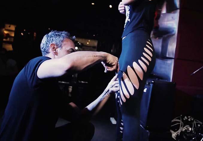 Σχεδιαστής μόδας δημιουργεί εκπληκτικά ρούχα χρησιμοποιώντας ένα ψαλίδι (17)